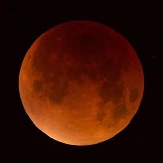 Observation de l'éclipse totale de la Lune