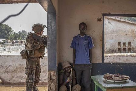 """Témoignages et performances autour de l'exposition """"Fragile Centrafrique"""""""