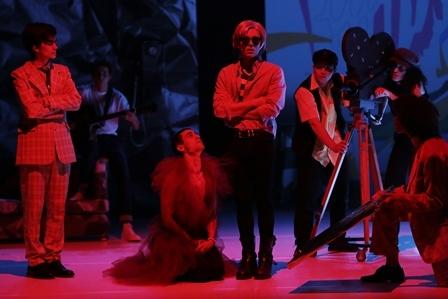 Trouble : un spectacle sur la vie d'Andy Warhol